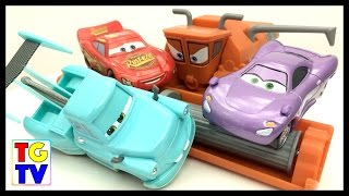 getlinkyoutube.com-Cars Mater Tractor Tipping, Lightning McQueen vs Holley | Cars Fast as Lightning