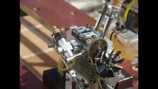 getlinkyoutube.com-Twin 4 stroke glow engine