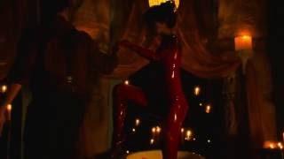 getlinkyoutube.com-Eiza gonzalez table dance1
