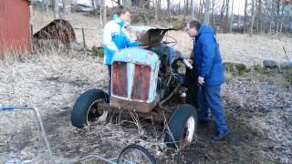getlinkyoutube.com-Start av Fordson Major Diesel