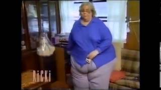 getlinkyoutube.com-Extremely fat woman walking and sitting down