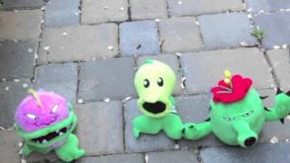 getlinkyoutube.com-Plants vs Zombies Plush: Disco's Ambush