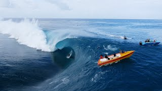 getlinkyoutube.com-Teahupo'o Du Ciel | Surfing