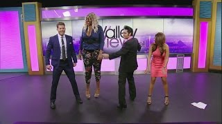 getlinkyoutube.com-Amazon Ashley gives Valley View Live! hosts twerking tutorial