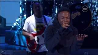 getlinkyoutube.com-Kendrick Lamar: M.A.A.d City/Bitch Don't Kill My Vibe (NBA All-Star Performance 2014)