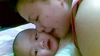 getlinkyoutube.com-Mommy tickles joshua