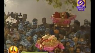 getlinkyoutube.com-Makaravilakku Mahotsavam 2017- Live from Sabrimala