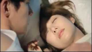 getlinkyoutube.com-Healer- Ji Chang Wook & Park Min Young Kiss-Bed Scene