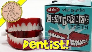 getlinkyoutube.com-Chattering Teeth Novelty Toy - Neato! Wind Up Action, Toysmith