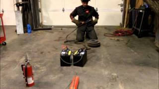 getlinkyoutube.com-Welding with jumper cables and a pair of batteries