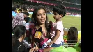 Actress Gopika and her family supporting Kerala Strikers in CCL 2013
