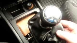 getlinkyoutube.com-Demontaż gałki i mieszka wymiana skórki Peugeot 207