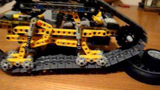 getlinkyoutube.com-Lego Technic Tracked Vehicle Ripsaw Moc