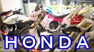 getlinkyoutube.com-【実車】ライドマッハー・サクラハリケーン・マシンウインガー 仮面ライダーのバイク showroom ridemach /sakura hurricane/machine winger