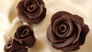 getlinkyoutube.com-Receita de Chocolate para Modelar Rosas