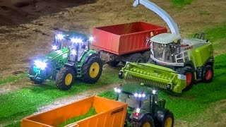 getlinkyoutube.com-RC tractor action at Hof Mohr! Farming in 1:32 scale by Siku Control!