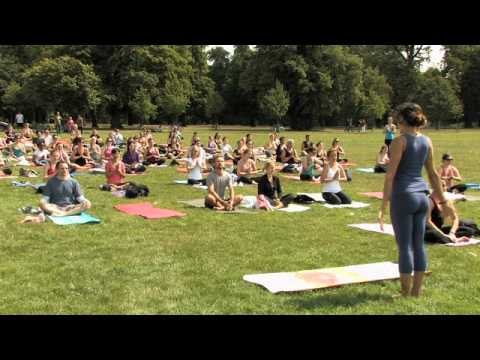 Yeo London! Let's Yoga! Mercedes Ngoh Leads Mass Yoga Class in London's Kensington Gardens