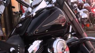 getlinkyoutube.com-巨体を操り ハーレー美人ライダー Harley Davidson ハーレーダビッドソン