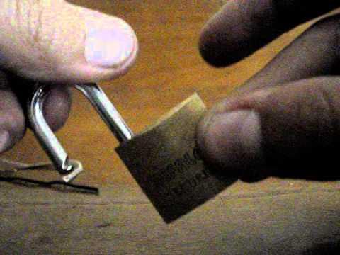 Como abrir cadeado com 1 ou 2 clips