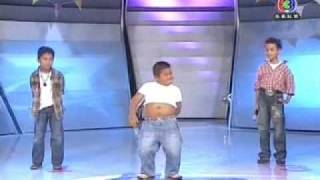 getlinkyoutube.com-Little boy dancing