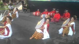 getlinkyoutube.com-Tari Pakarena. Makassar. Sulawesi Selatan...
