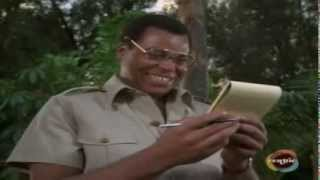 getlinkyoutube.com-James Earl Jones as Alex Haley discovers his Roots (2/24/1979)