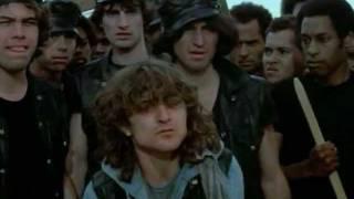 getlinkyoutube.com-I guerrieri della Notte - The Warriors - (1979) - Guerrieri, giochiamo a fare la guerra...