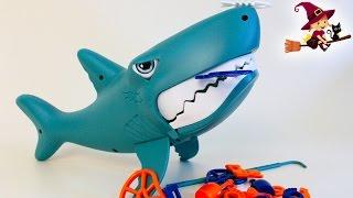 getlinkyoutube.com-Juego Infantil con el Tiburón Comilon