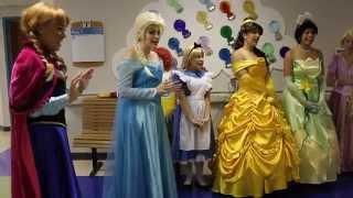 getlinkyoutube.com-Perfectly Princess Parties Childrens Hospital Visit Let it Go