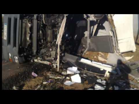 recopilación de accidentes de camiones GRUAS TARRAGONA.avi