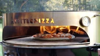 getlinkyoutube.com-Wood Fired Pizza Cooked in the KettlePizza