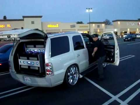 Parking Lot Pimpin' - Another Caddy Demo 8 18 Subwoofers!!