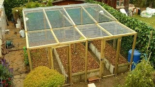 getlinkyoutube.com-PERMACULTURE / high-yield production in limited space / The raised bed