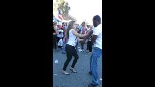 getlinkyoutube.com-Bachata Dance freestyle in street