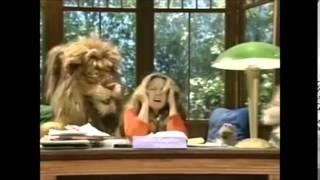 getlinkyoutube.com-Between the Lions episode 12 The chap with caps