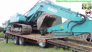getlinkyoutube.com-Fuso Self Loader Truck Heavy Equipment Transport Kobelco SK200 Excavator