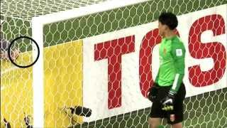 getlinkyoutube.com-12-year-old ball-boy helps China keeper save penalty