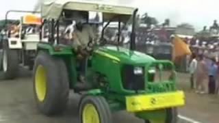 getlinkyoutube.com-Swaraj mahla 855 vs Johndeer 5055 E (Full video)