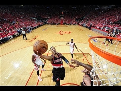 Damian Lillard Drops 31 in First Career Playoff Game