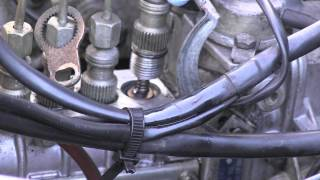 getlinkyoutube.com-Mercedes Diesel Injection Pump Delivery Valves Leak Repair