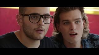 ARRIVANO I PROF - Videoclip Rocco Hunt -