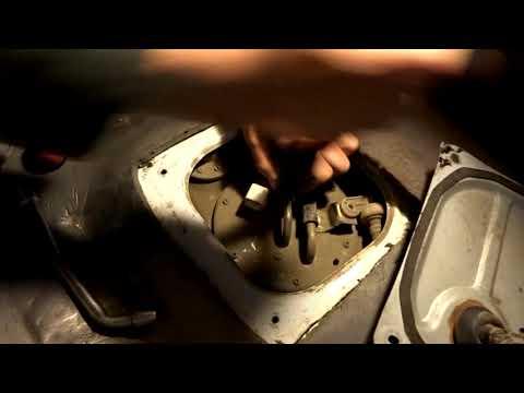 Замена топливного насоса на Mazda Demio