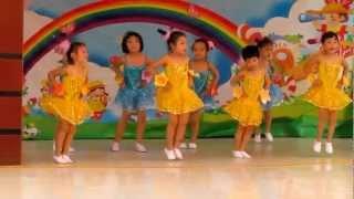 getlinkyoutube.com-Bông hồng tặng cô - Tốp múa trường Hapyhome