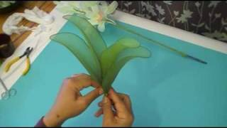 getlinkyoutube.com-Fabrication d'une orchidée Cymbidium en collant / Nylon Cymbidium Orchid