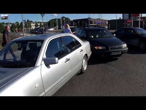 Попал в аварию,Mercedes W210 Car accident