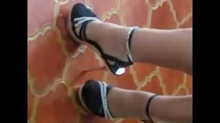 getlinkyoutube.com-tacchi calze e  cavigliera da troia