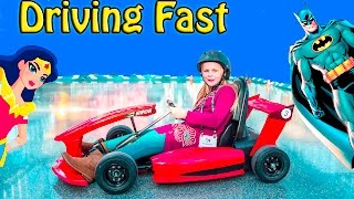 getlinkyoutube.com-ASSISTANT Super Fast Racing New Toys + Batman and Wonder Woman in Real Life