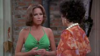 getlinkyoutube.com-Mary Tyler Moore ugly green dress