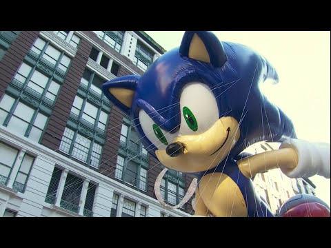 Macy's Thanksgiving Parade 2011 - The NEW Sonic The Hedgehog Balloon (20TH Anniversary)