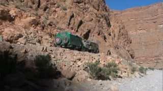 getlinkyoutube.com-Marokko - 5- Todra-Schlucht - Unimog 1300L + DB 911